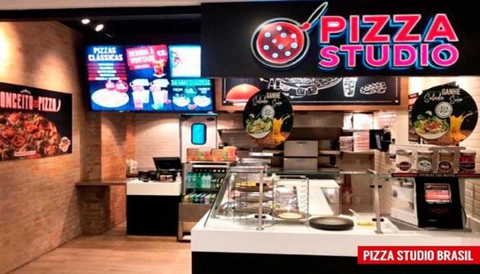 Frente da loja da franquia pizza studio