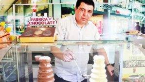 Ex-feirante cria rede de chocolates que fatura R$ 24 mi