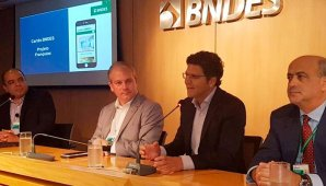 Franquias comemoram cartão BNDES