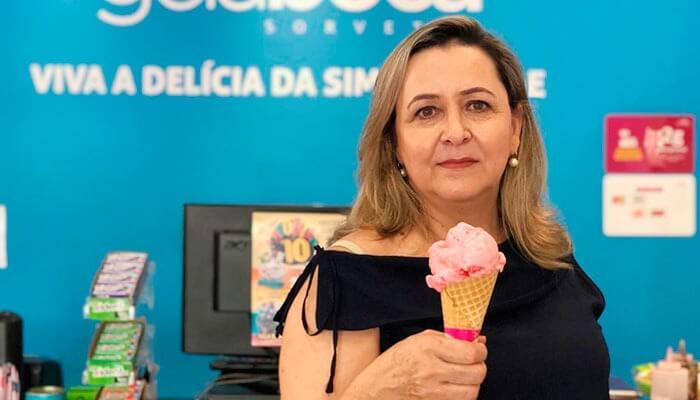 Ela deixou a carreira de fotógrafa para faturar mais de R$ 1 milhão com uma franquia de sorveteria