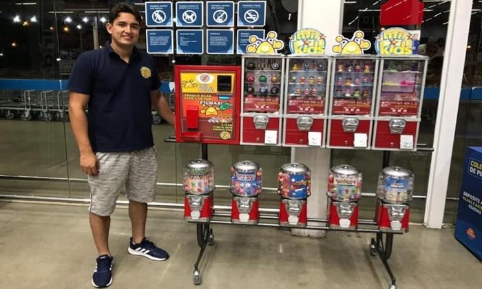 Empresário aposta em microfranquia de vending machines e faz sucesso em Maringá